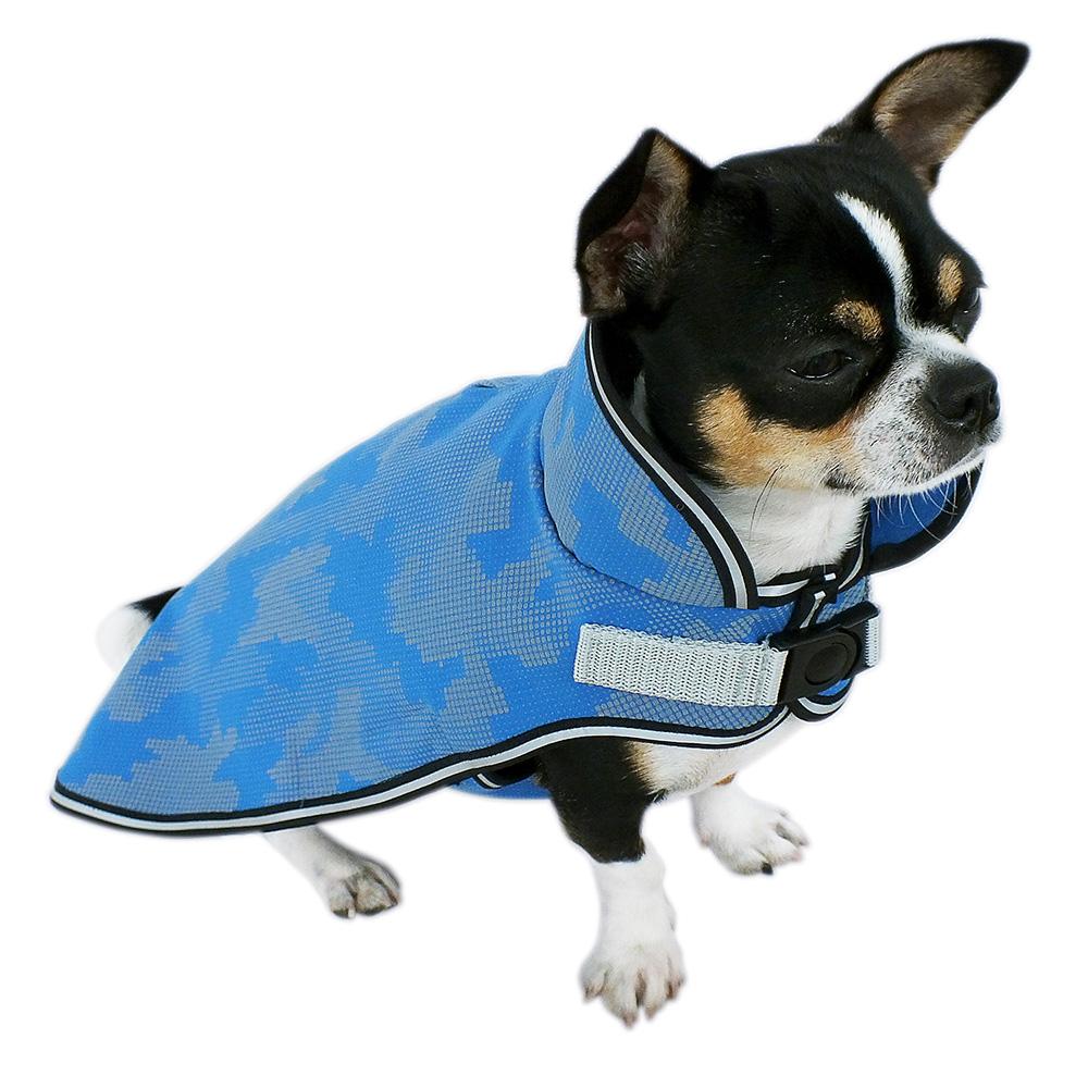 Schützender Softshell Hundemantel mit eingearbeiteten Reflektoren, gefüttert mit weichem Fleece, für nasskaltes Wetter.