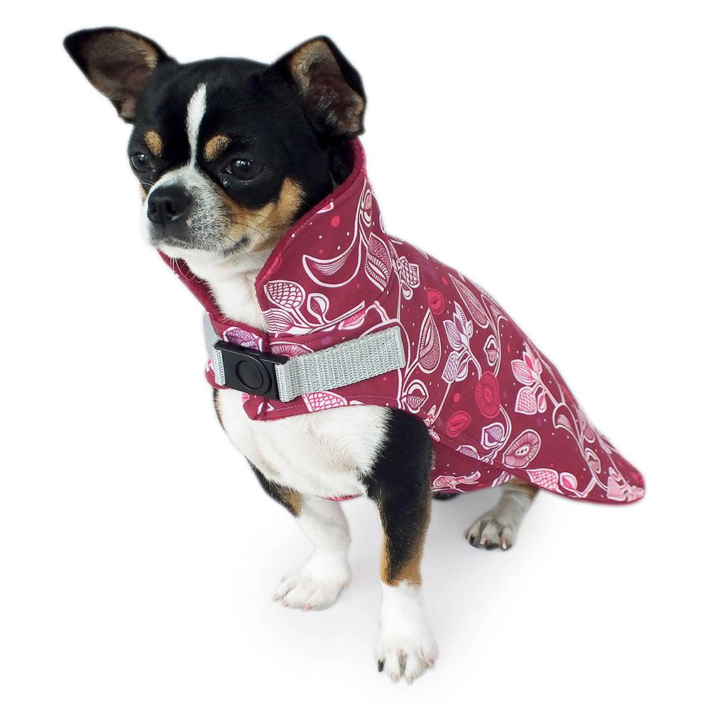Schützender Softshell Hundemantel mit hohem Kragen, gefüttert mit weichem Fleece. Der hohe Kragen schützt vor Wind und Wetter.